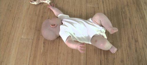 Leçon de Feldenkrais 1 pour Baby Liv : Rouler